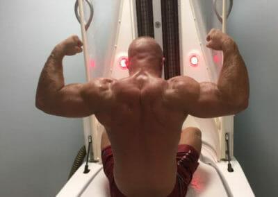 Fyzioterapeutická vana pomáhá sportovcům k rychlejší regeneraci svalů a většímu výkonu. Dana Clinic, Praha 9