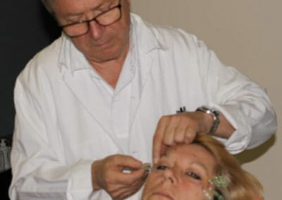 Meanwhile, lifting without scalpel is performed by an experienced head physician MUDr. Polacek, CSc in Dana Clinic, Prague 9