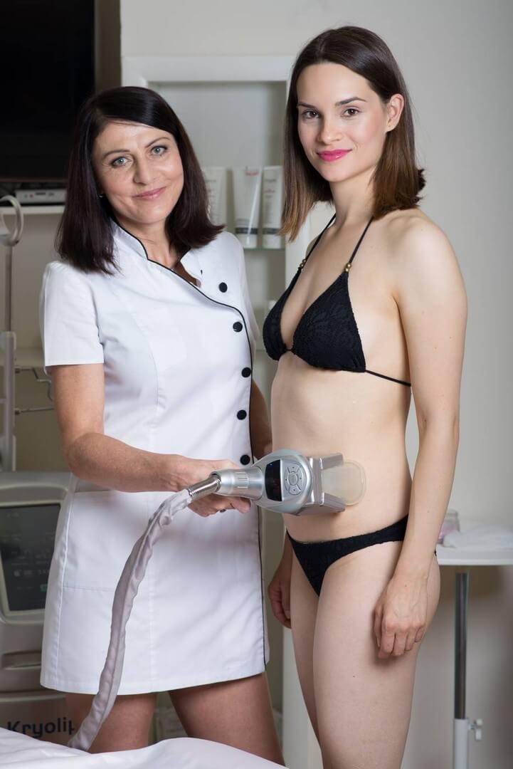 Kryolipolýza je bezbolestná účinná liposukce vyzkoušejte. Výsledek je zaručen. Dana Clinic, Praha 9