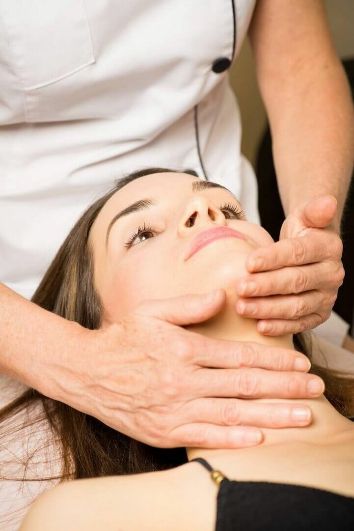 Kosmetické ošetření dle typu pleti, Dana Clinic Praha 9