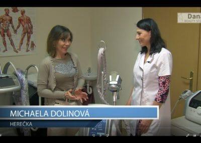 Kryolipolýza zmražení tukových buněk a vysvětlení herečce Míše Dolinové, Praha 9, Dana Clinic