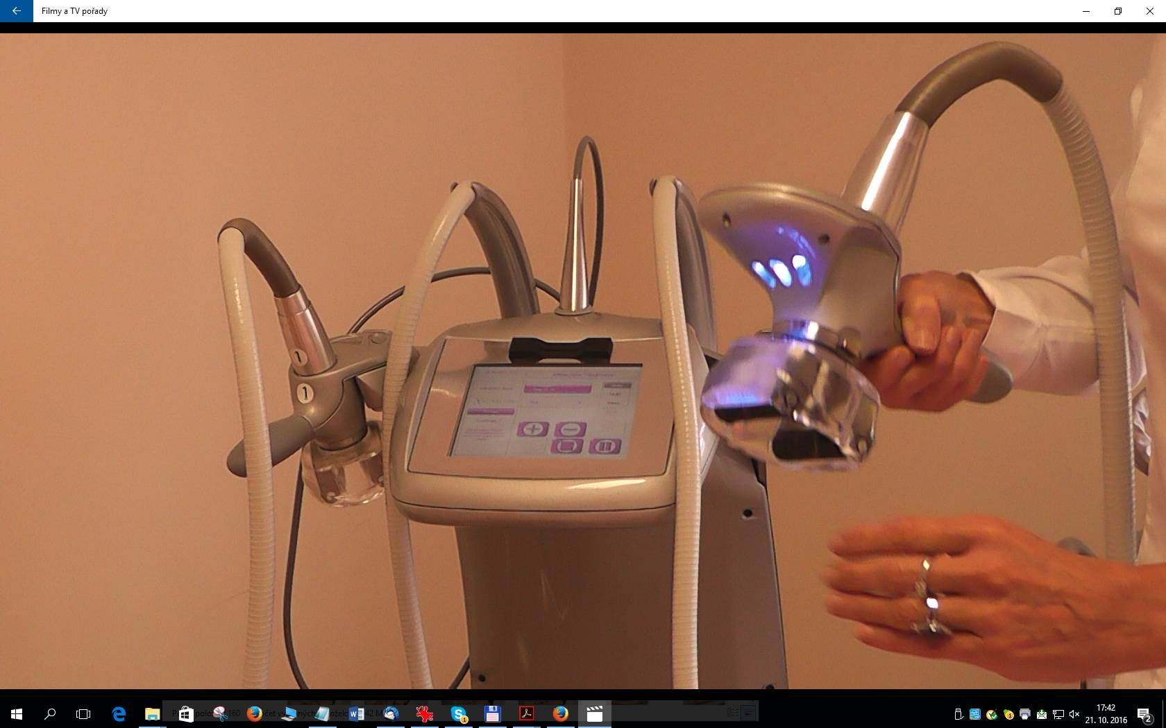 Lipomassage to remove fat. Vacum device is used also for lipomassage cellulite removal. Prague