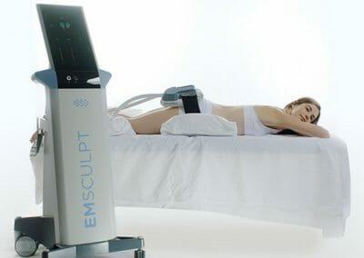 Zkuste EMSCULPT, jediný přístroj na světě, který odstraňuje tuk a zpevňuje svaly. Vysoce efektivní. Beauty Studio Dana, Praha 9